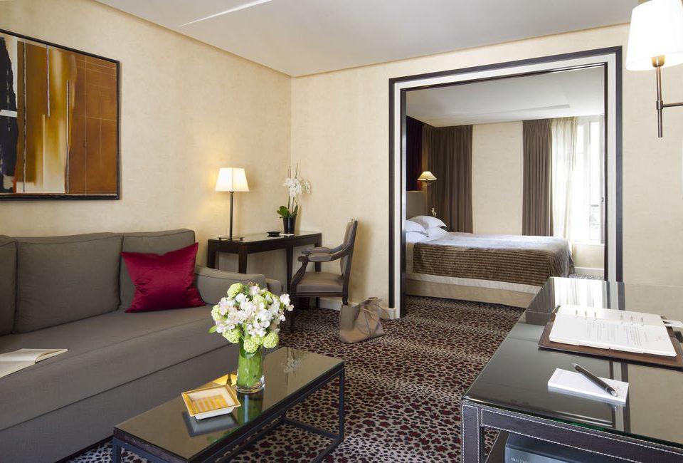 property Suite living room condominium cottage Villa Bedroom Modern