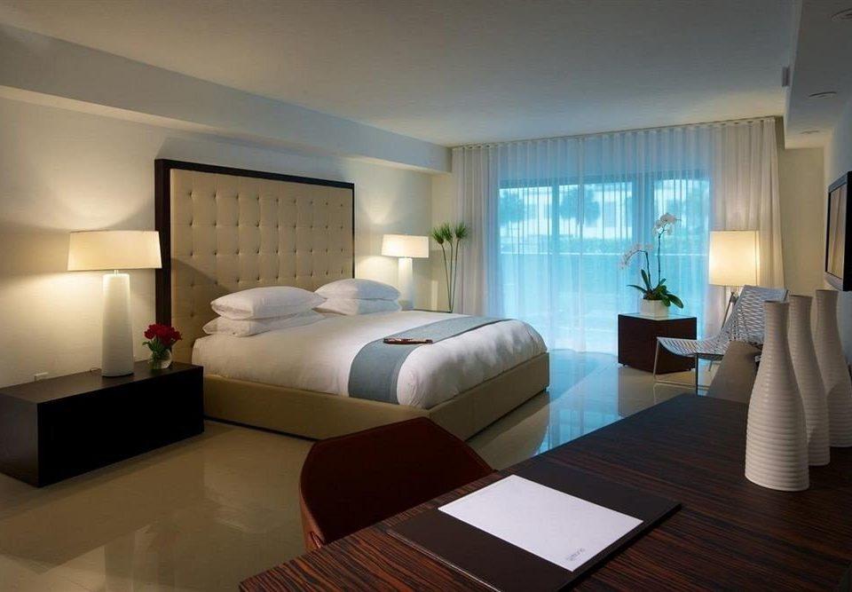 sofa property Suite condominium living room Bedroom Villa flat Modern clean