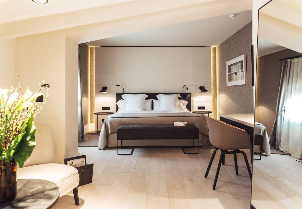 property Suite condominium living room home hardwood Villa cottage Bedroom Modern