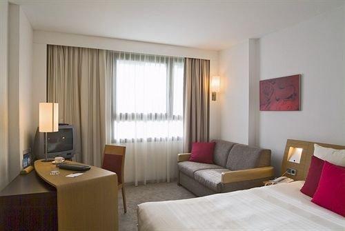 property Suite condominium cottage Bedroom Villa living room flat Modern