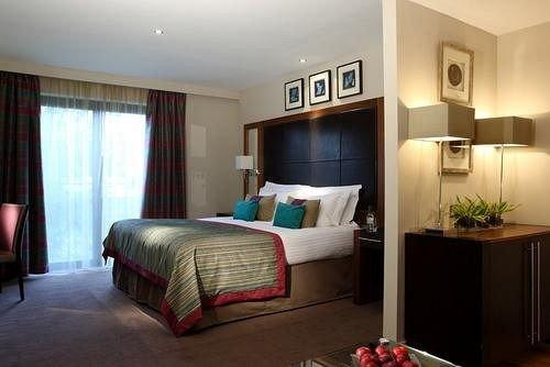 property Bedroom Suite flat cottage condominium Villa Modern