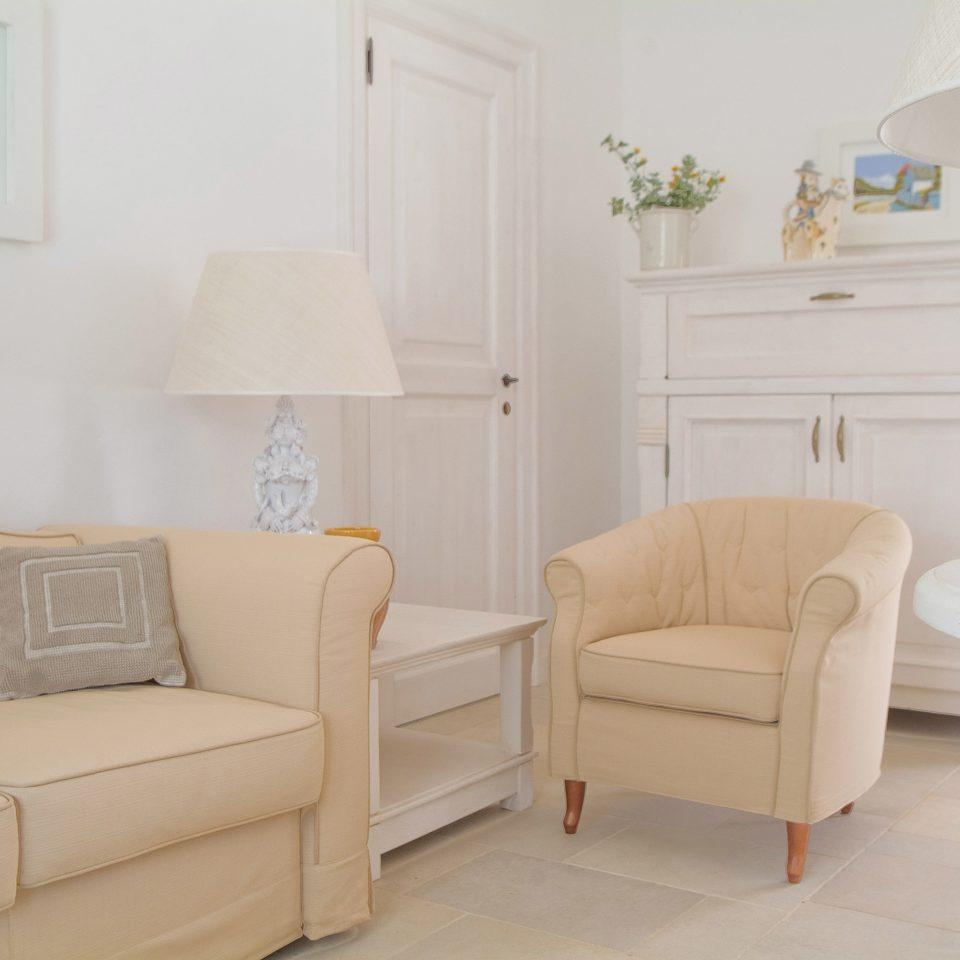 Bedroom Modern Wellness property living room home cottage seat tan