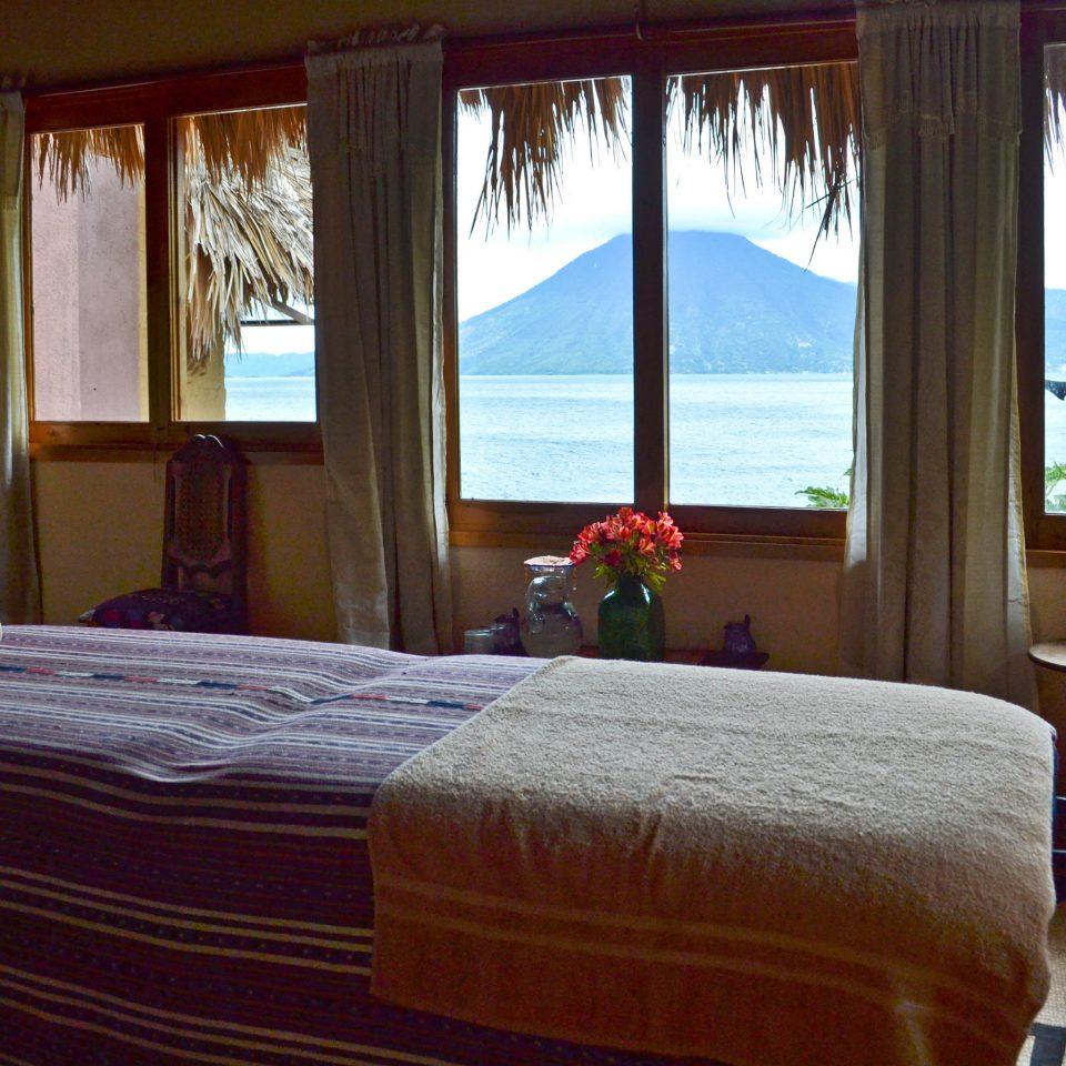 Ocean Scenic views Sea Spa sofa Bedroom property home cottage Resort Suite overlooking