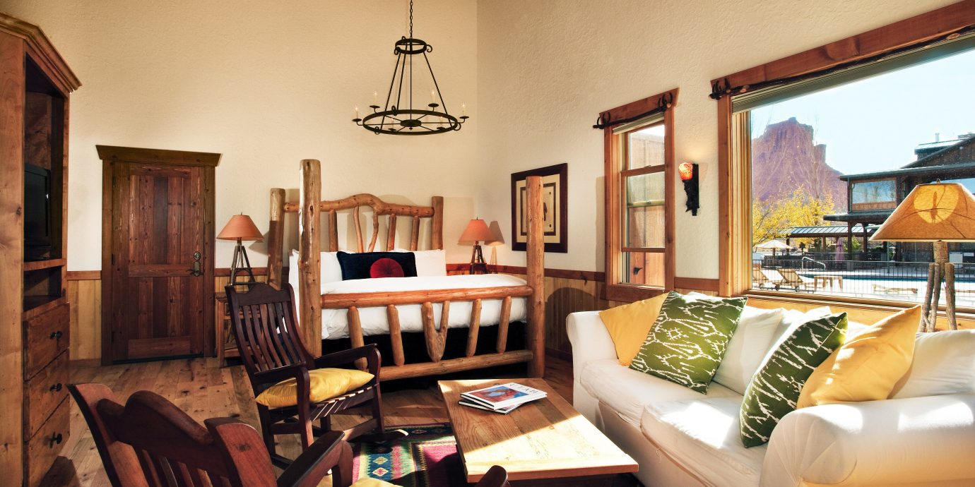 Bedroom Outdoors + Adventure Rustic Suite Trip Ideas sofa property living room home Villa cottage mansion condominium