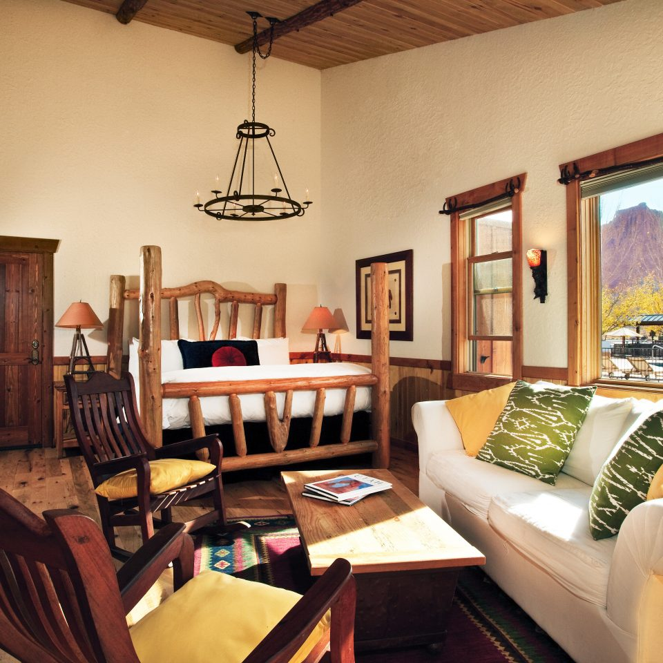 Bedroom Outdoors + Adventure Rustic Suite Trip Ideas sofa property living room home Villa cottage mansion condominium