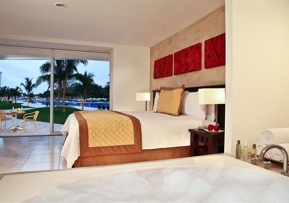 Bedroom Patio Pool property Suite home Villa living room cottage condominium