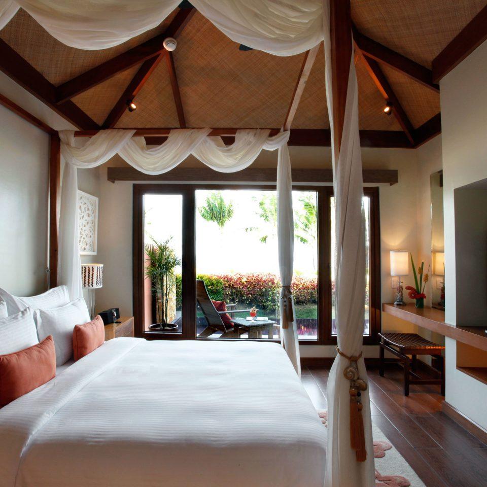 Bedroom Patio Resort property living room home Villa Suite cottage mansion pillow farmhouse