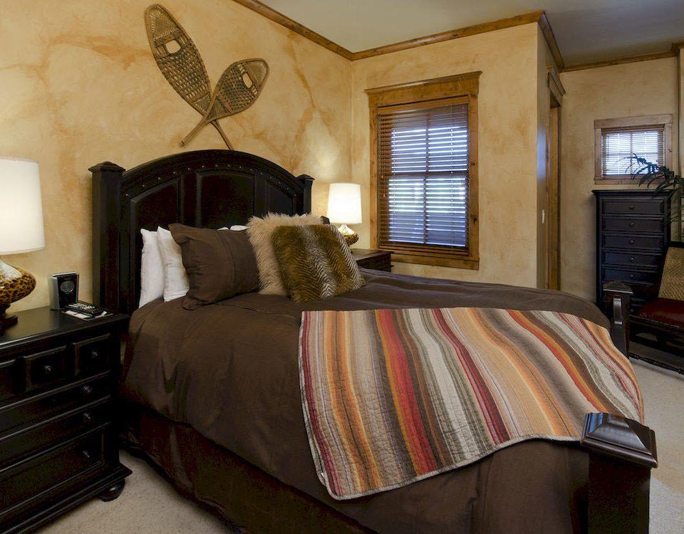 Bedroom Resort property home cottage living room bed sheet