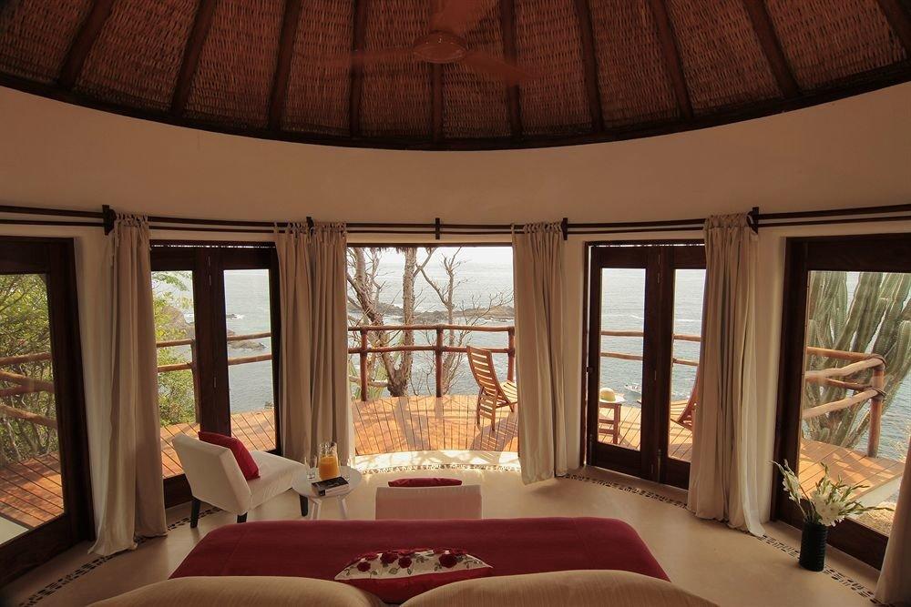 sofa property Bedroom home living room mansion cottage Resort