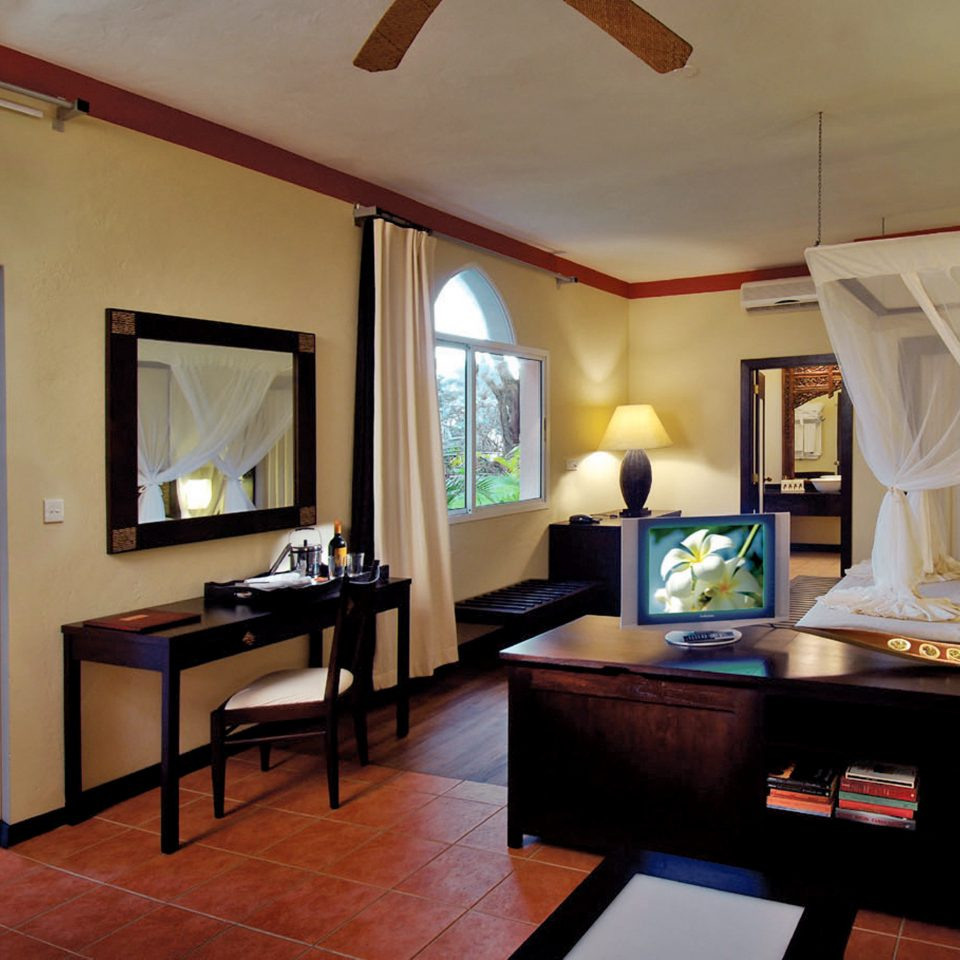 Bedroom Resort Romance Romantic property living room Suite home Villa cottage mansion condominium