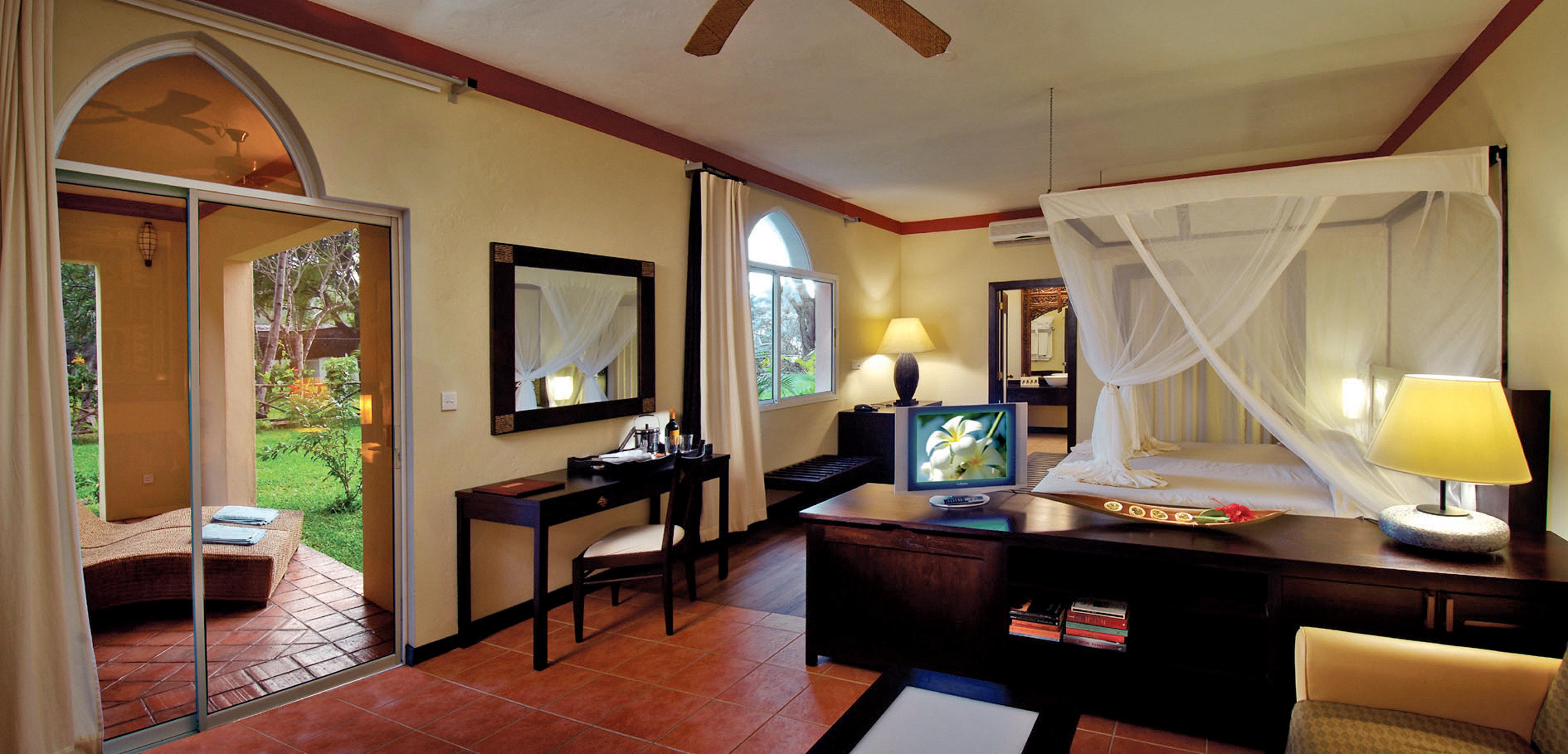 Bedroom Resort Romance Romantic property living room Suite home Villa cottage mansion condominium