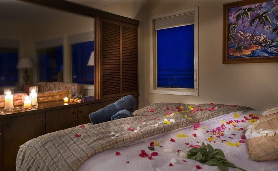 Bedroom Resort Romantic property Suite living room home cottage bed sheet