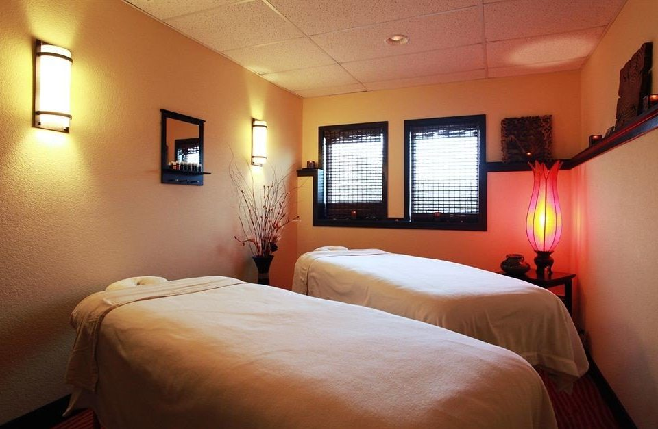 Resort Spa Wellness Bedroom property Suite cottage