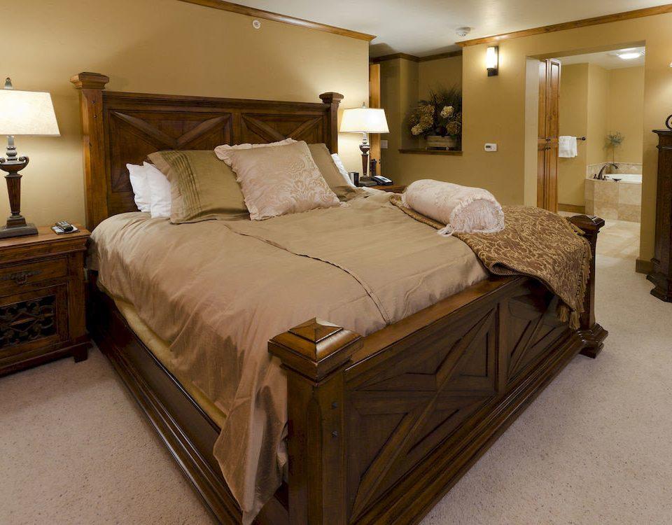 Bedroom Resort property Suite hardwood cottage bed frame bed sheet tan