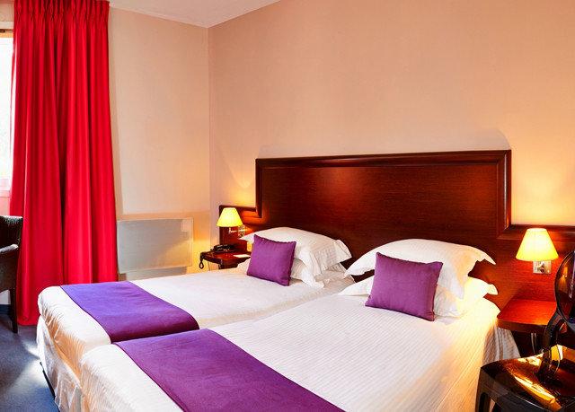 chair Bedroom Suite bed sheet Resort cottage lamp