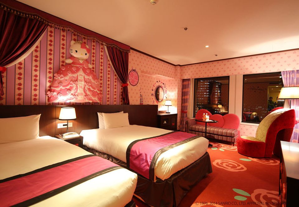 sofa red property Suite Bedroom Resort bed sheet