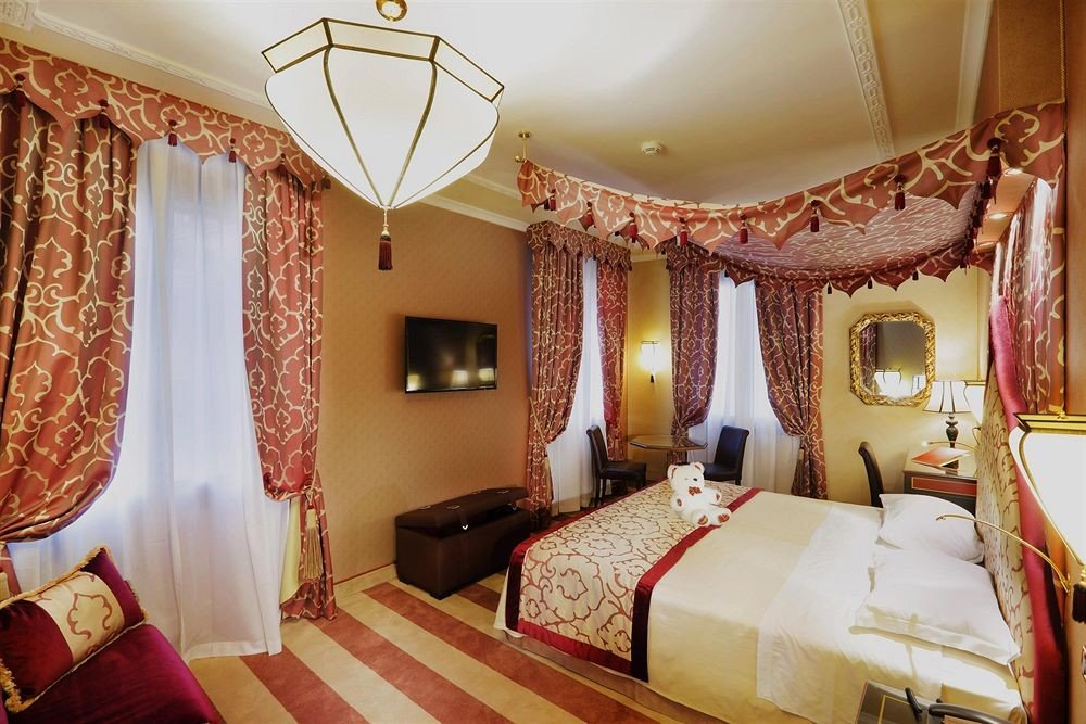 property Bedroom Suite curtain Resort bed sheet