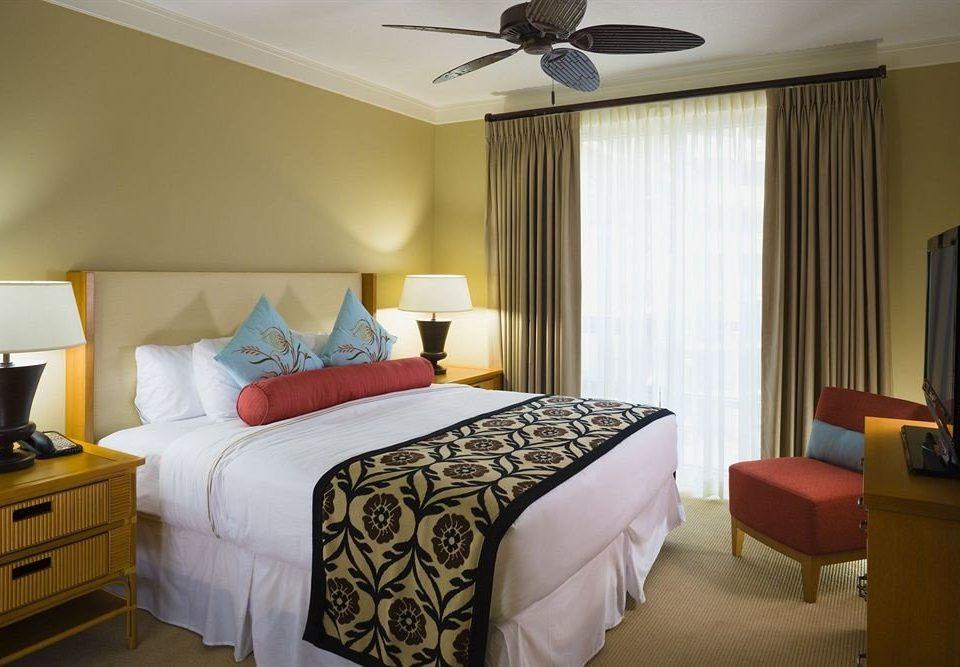 Bedroom Resort sofa property Suite cottage bed sheet lamp