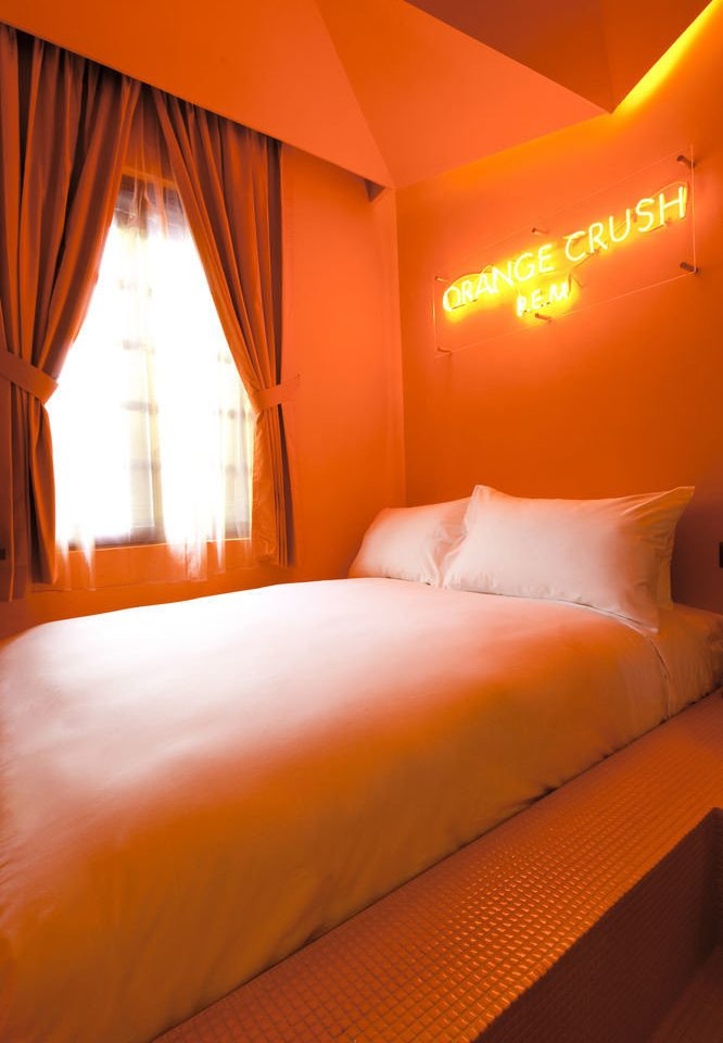 Bedroom orange Suite bed sheet Resort cottage lamp night