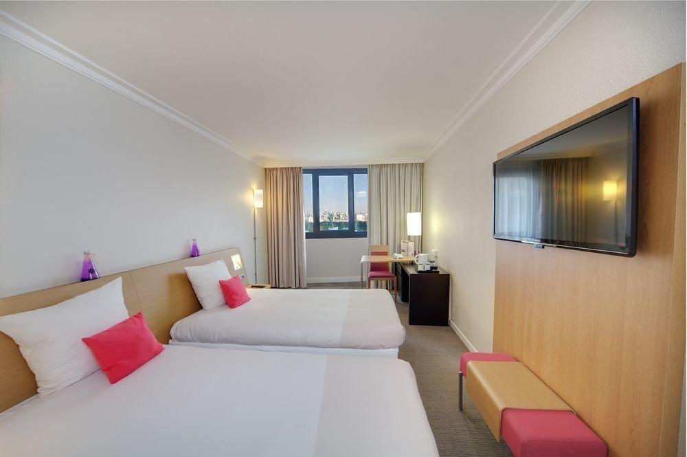 property Bedroom Suite condominium Resort bright