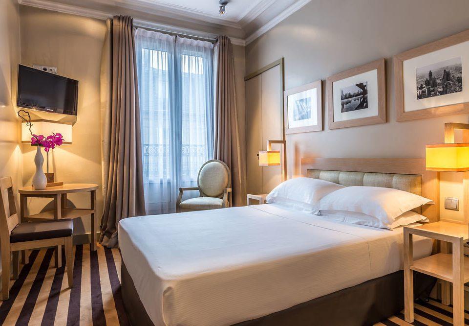 property chair Suite Bedroom cottage Resort condominium