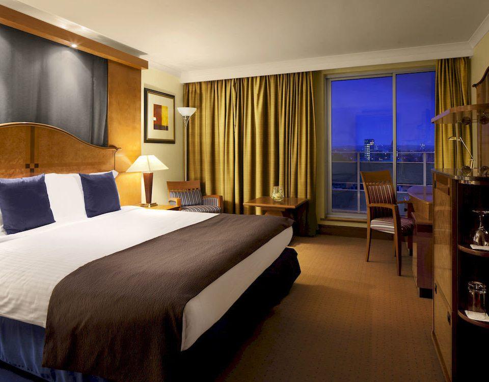 Bedroom sofa property Suite scene condominium Resort lamp
