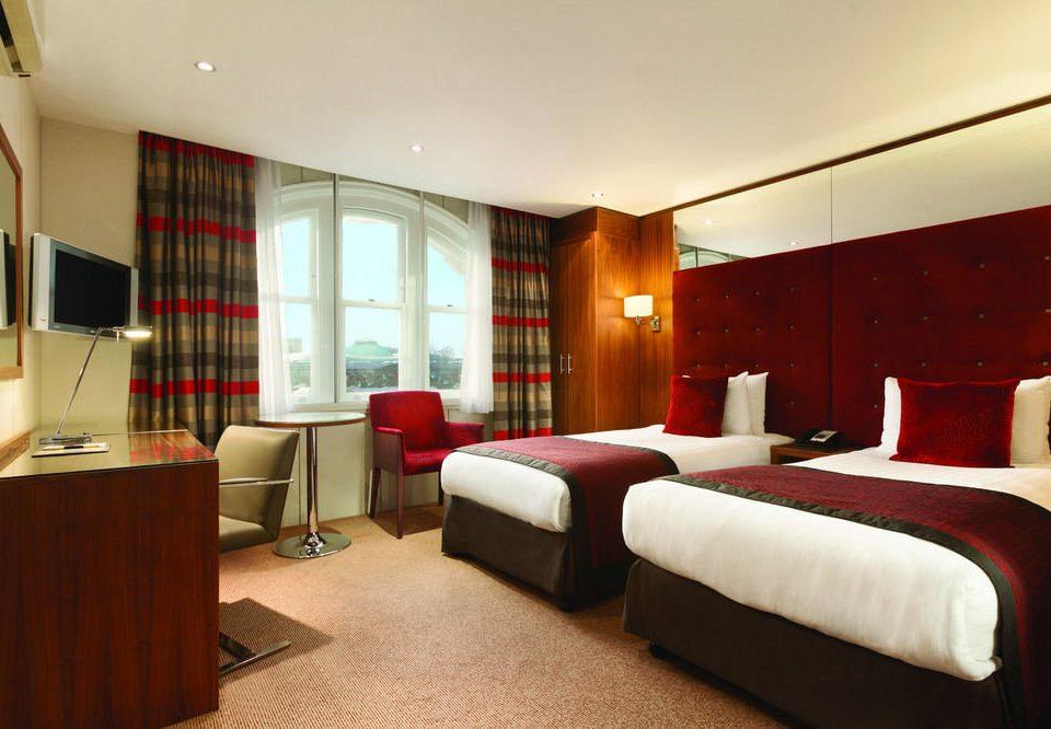 Bedroom property Suite red Resort condominium