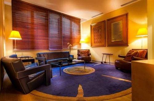 property Suite condominium living room Resort Bedroom recreation room lamp