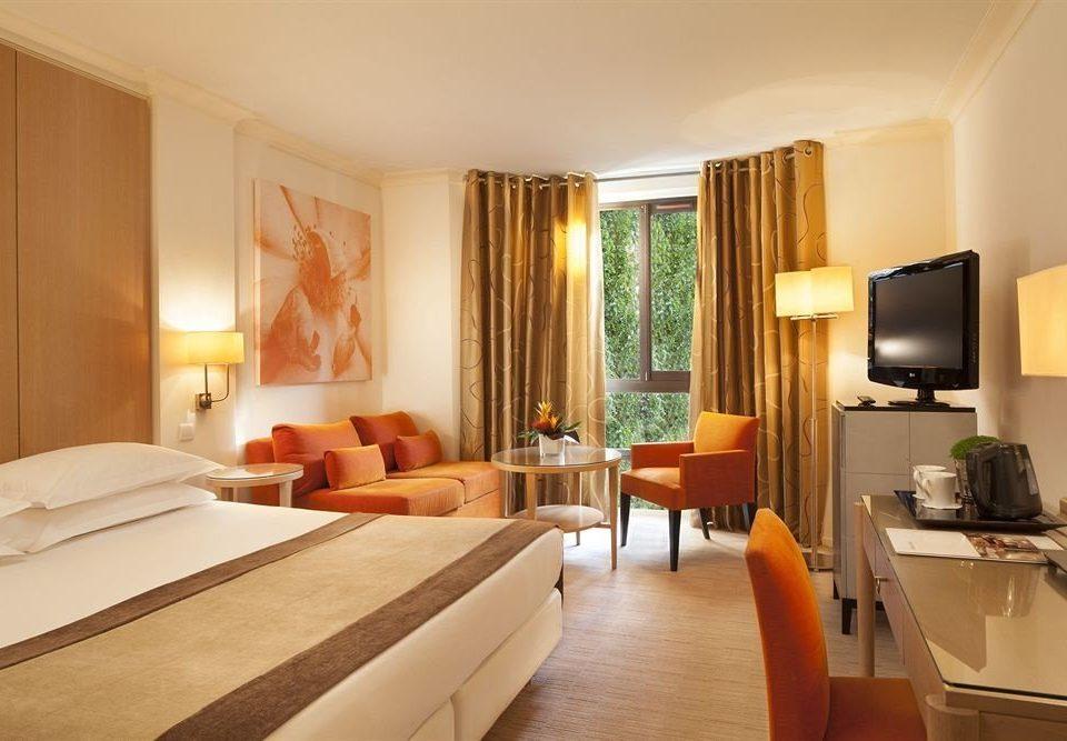 property Suite Bedroom living room condominium Resort cottage