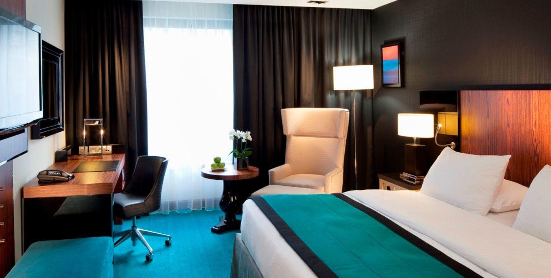property Bedroom Suite condominium Resort lamp