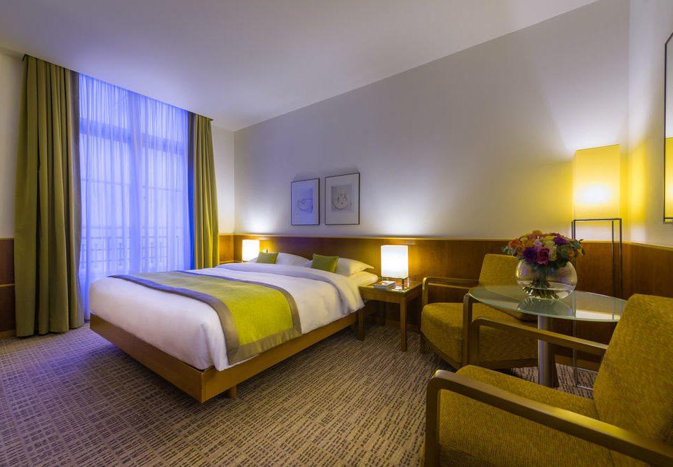 Bedroom property Suite condominium Resort
