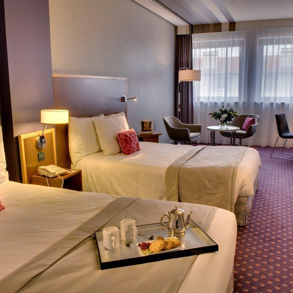property Suite living room condominium Resort cottage Bedroom