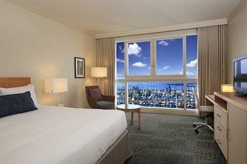 Bedroom Resort property Suite condominium scene cottage living room flat