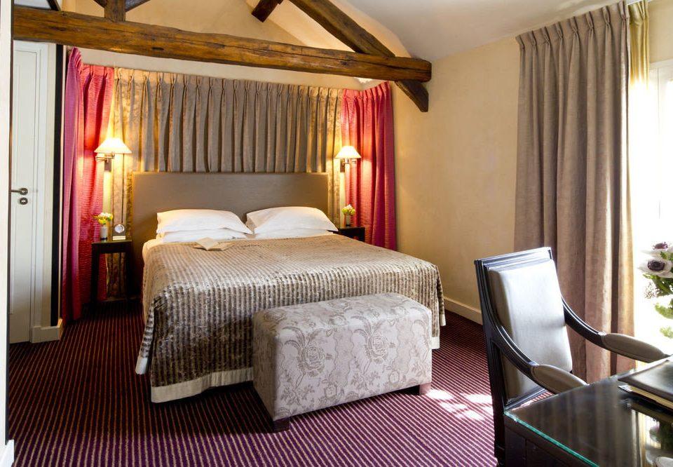 Bedroom property curtain Suite cottage Resort