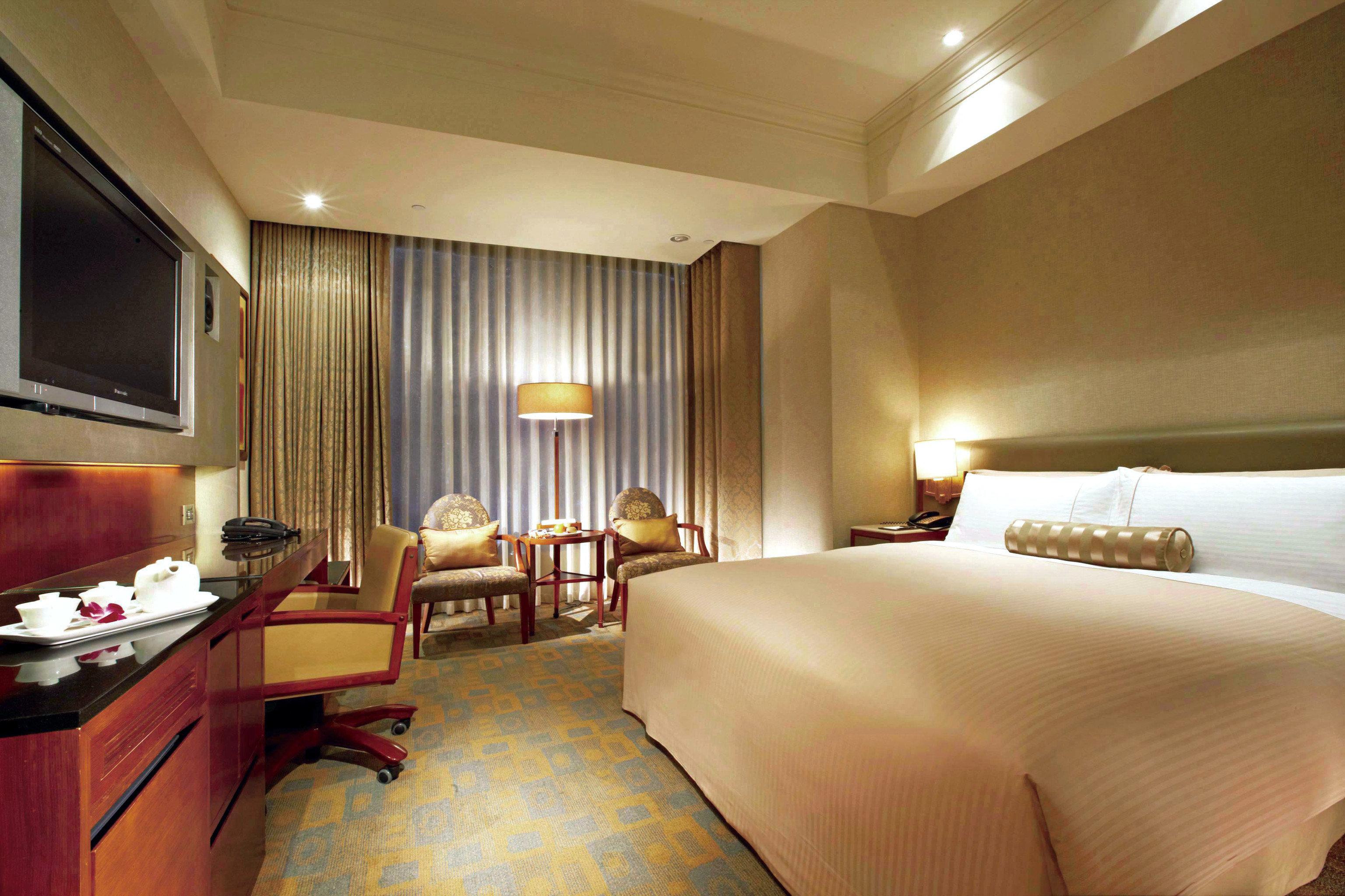 property Bedroom Suite vehicle yacht cottage Resort flat