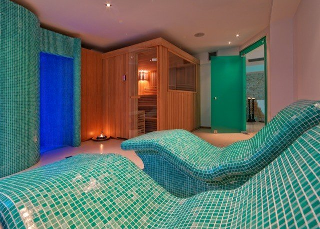 green property swimming pool Suite Bedroom Resort cottage