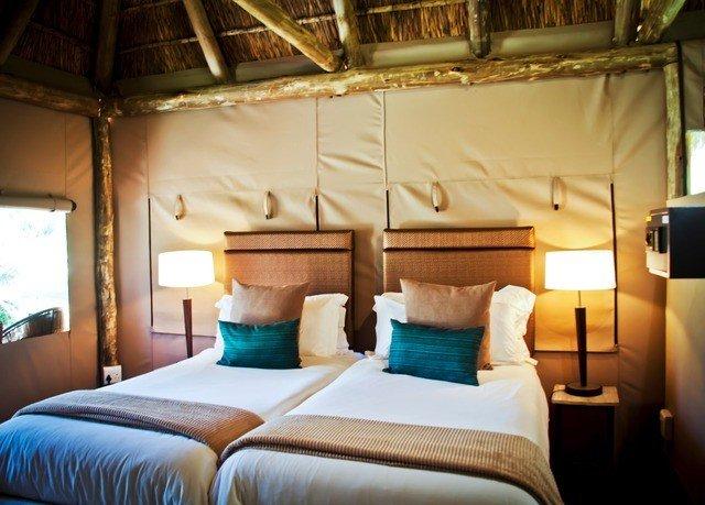 property Suite cottage Resort vehicle Bedroom