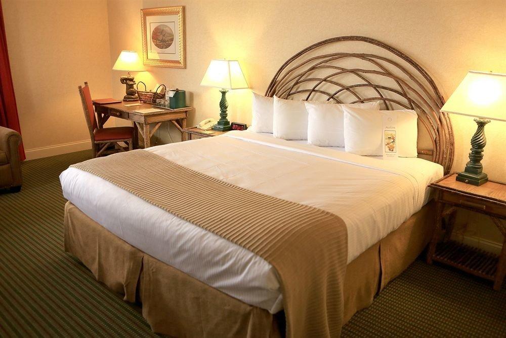 Bedroom property Suite cottage Resort night lamp