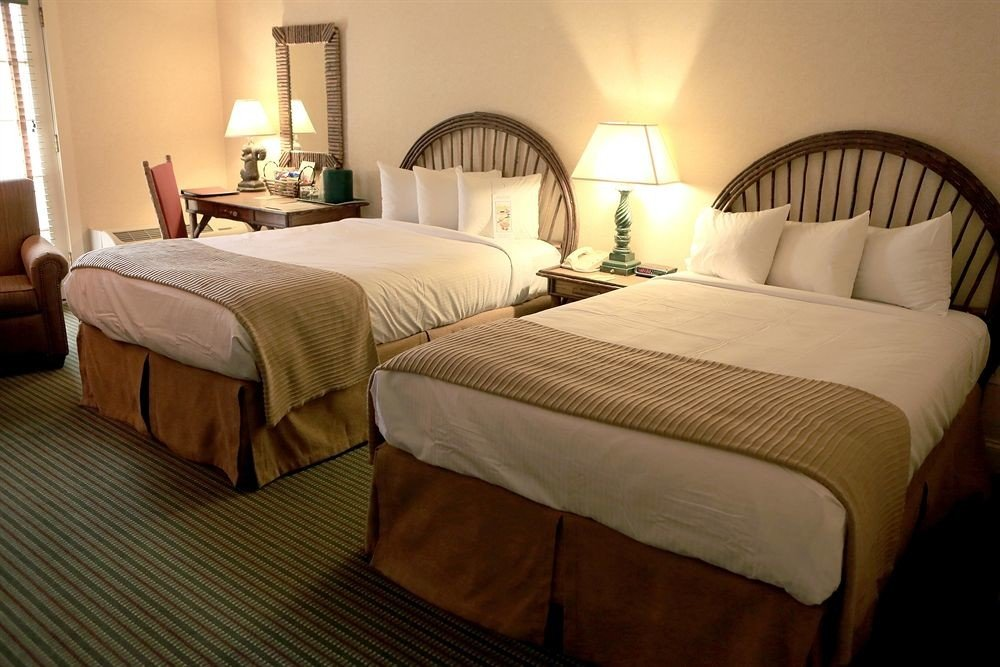 Bedroom Resort property Suite cottage