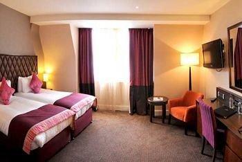 Bedroom property desk Suite cottage Resort lamp