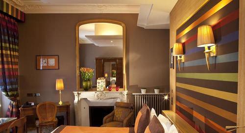 property restaurant Suite home Resort living room cottage Bedroom