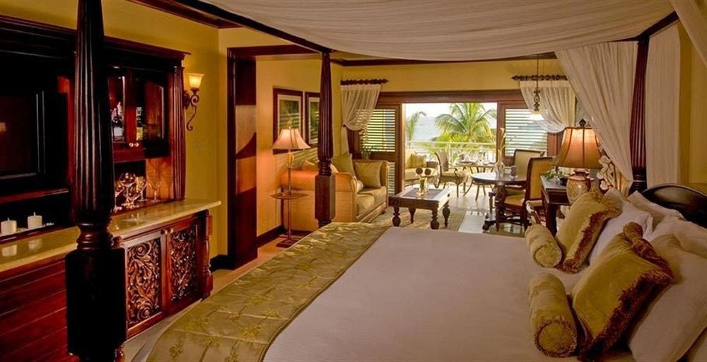 property Suite Resort cottage mansion Bedroom