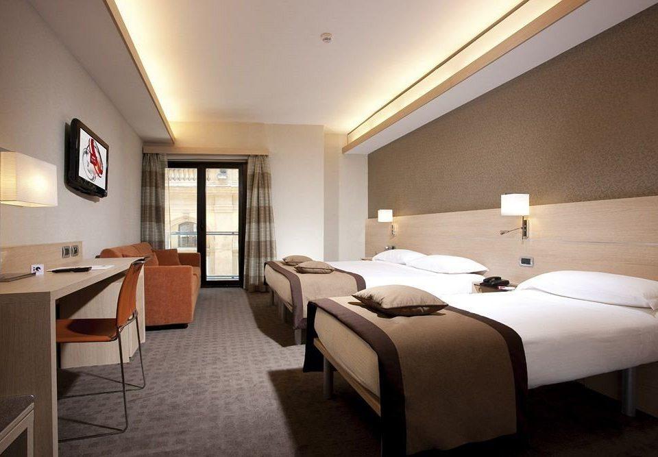 Bedroom desk property Suite Resort