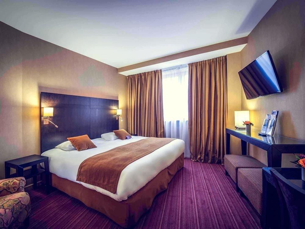 Bedroom property Suite scene Resort double flat lamp