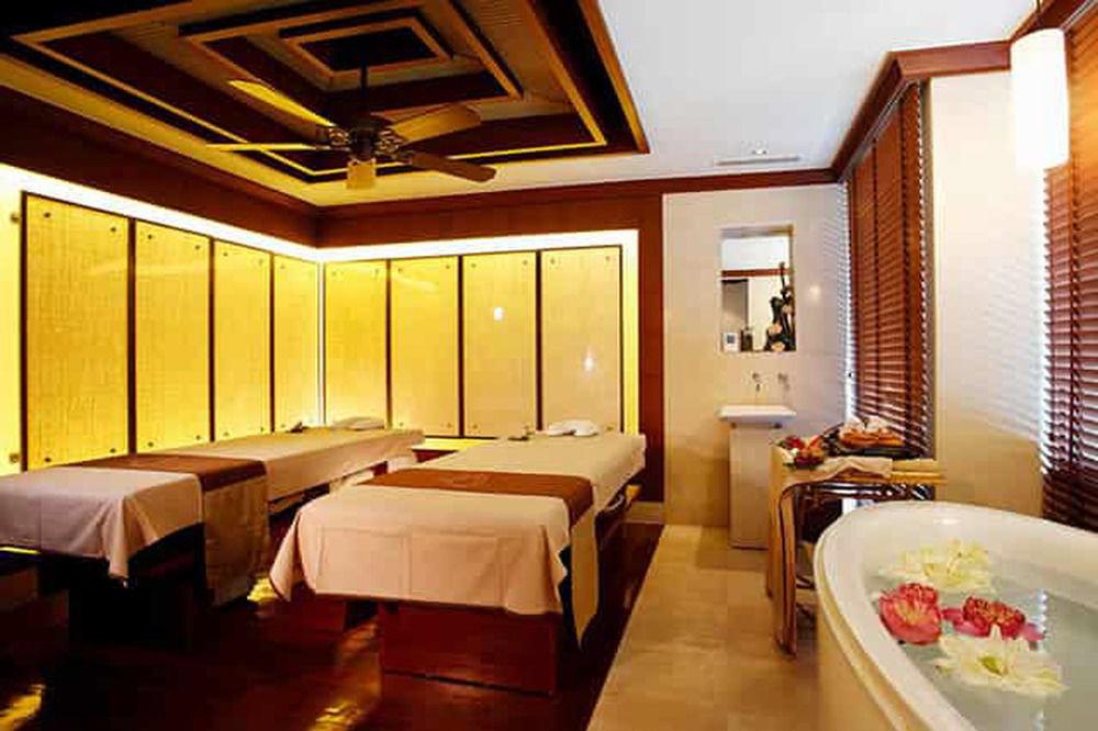 property Suite Resort restaurant function hall Bedroom