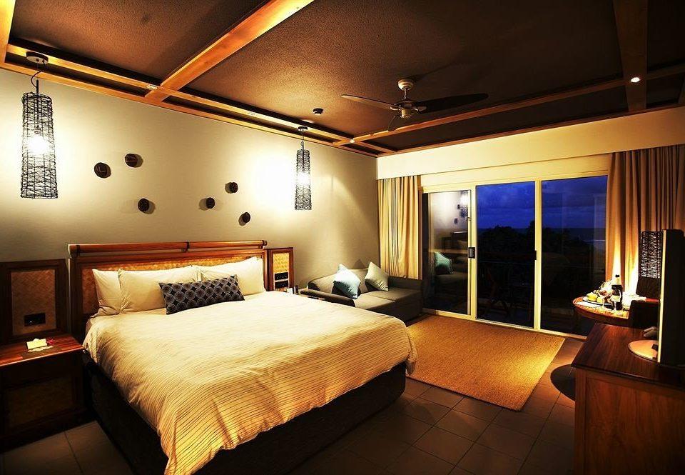 Bedroom property Suite Resort lamp