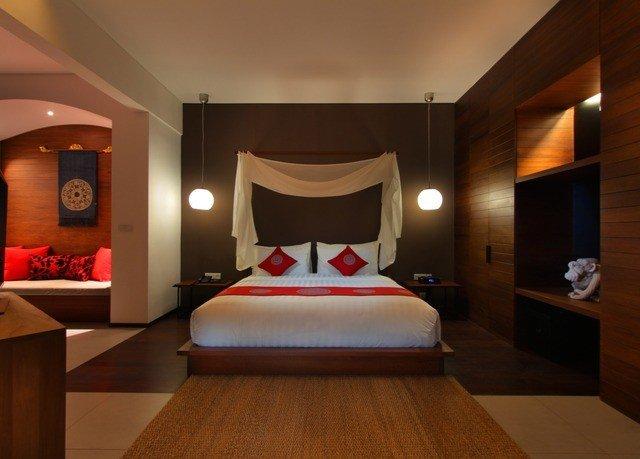 Bedroom Suite Resort recreation room