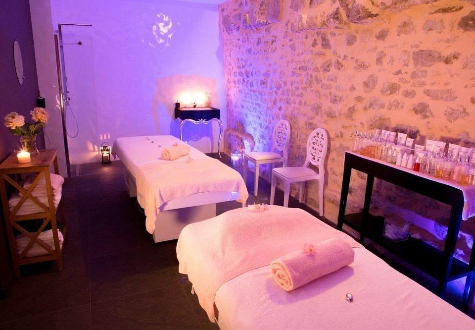 Suite Resort restaurant Bedroom