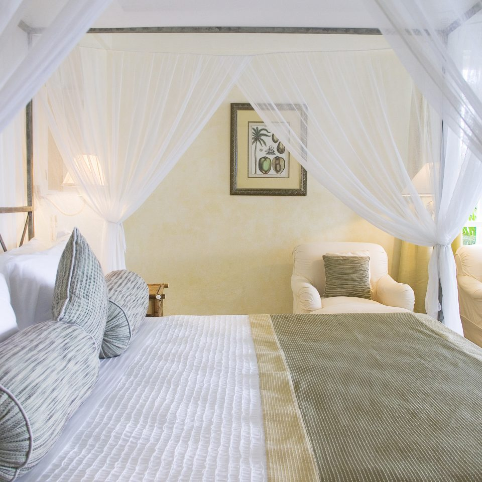 Bedroom Trip Ideas property cottage Suite white Villa living room Resort