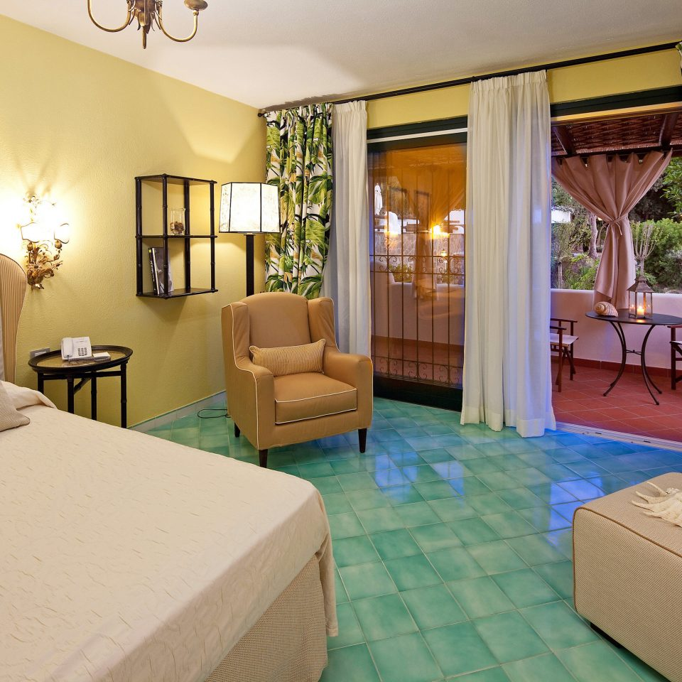 Bedroom Tropical property green condominium Suite Villa home cottage living room Resort